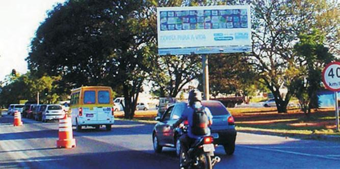 brasilia DF 003 Km 16 Frente acesso Cruzeiro Octogonal